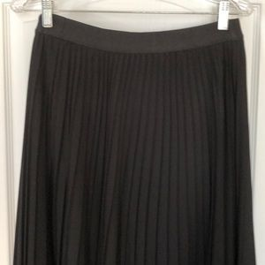 EXPRESS BLACK PLEATED SKIRT